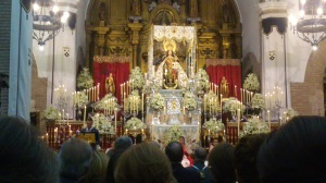 Momento del canto de la Salve al término del Pregón.